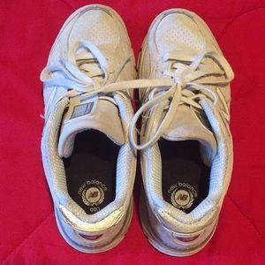 New Balance 990 Tennis shoe